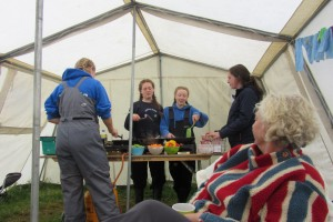 Fodhla Summer Camp Lough Lene Ellie Una Grainne Catriona preparing pasta dinner Ceann Ceathru July 2015